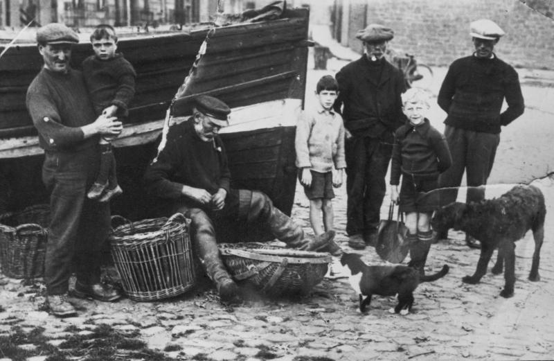 Fishermen and children at Dunbar, c.1927-1930. Original - C.Carruthers.